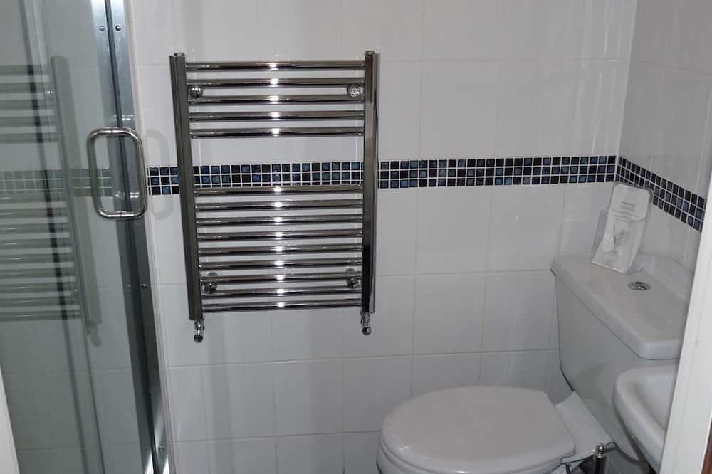 Værelse med 2 enkeltsenge - eget badeværelse - Badeværelse