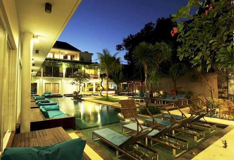 Aquarius Star Hotel, Kuta, Pool