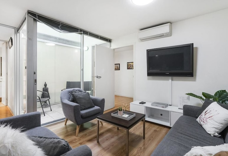 Anchor on Collins, Melbourne, Deluxe Apartment, 3 Bedrooms, Living Area