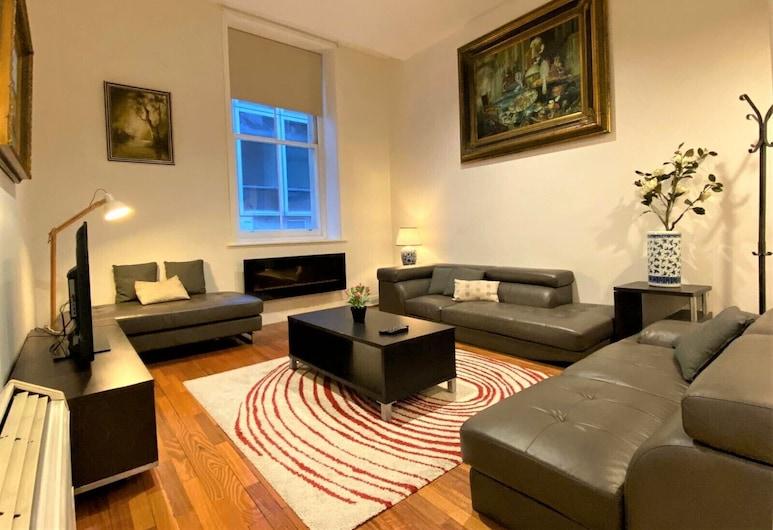 Anchor on Little Collins, Melbourne, Premier Apartment, 3 Bedrooms, Living Area