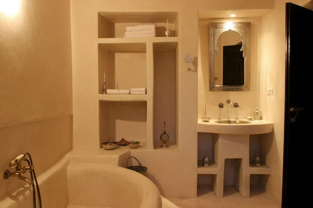Стандартний двомісний номер, 1 ліжко «кінг-сайз», обладнано для інвалідів, для некурців - Ванна кімната