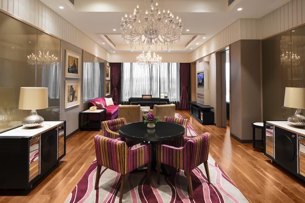 Grande Luxury, Suite, 1 cama King size, acceso a la sala de negocios - Sala de estar