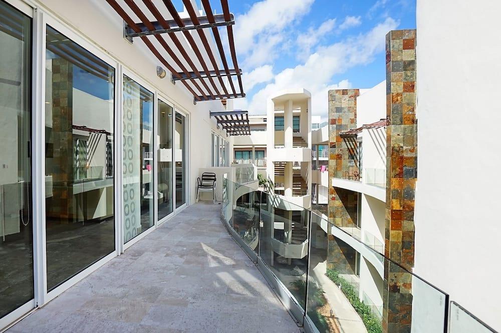 Senior Penthouse, 2 Bedrooms - Balcony