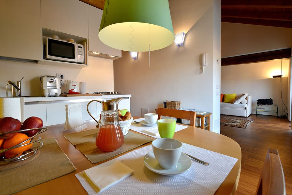 Apartment, 1 Bedroom, Kitchen (Address: Via Corsico 9) - In-Room Dining