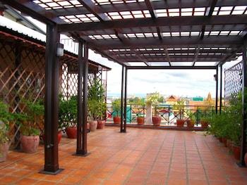 Foto van Lux Riverside Hotel & Apartment in Phnom Penh