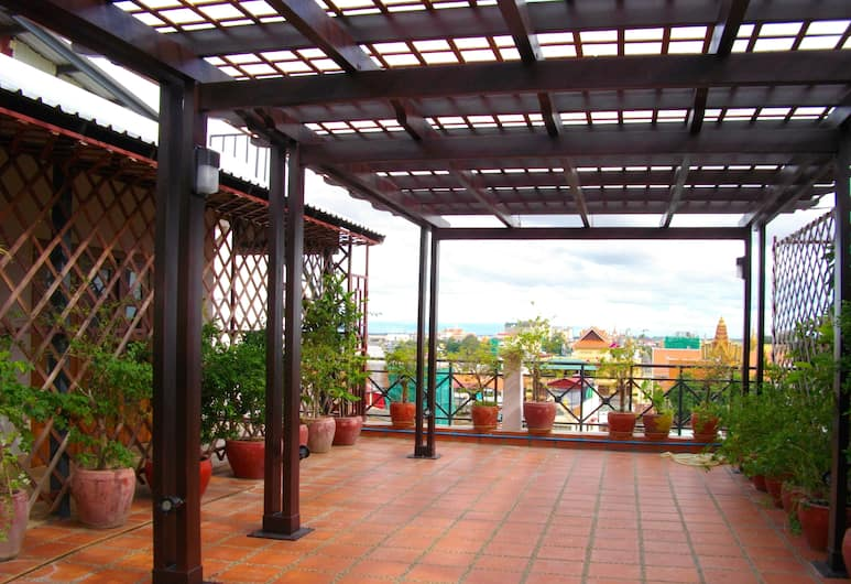 Lux Riverside Hotel & Apartment, Phnom Penh, Terasa