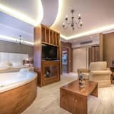 豪華套房, 熱水浴缸, 部分海景 - 客廳