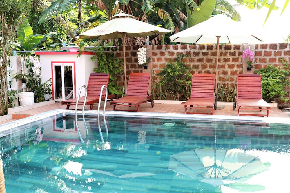 Villa de lujo, 4 habitaciones, vista a la piscina - Vista al jardín