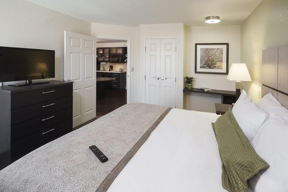 Studio Suite, 1 Queen Bed, Non Smoking - Guest Room