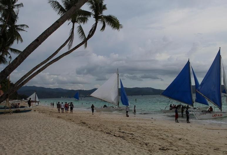 Escurel Inn, Boracay Island, Beach