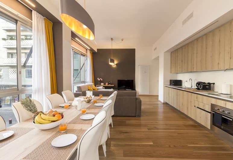 Heart Milan Apartments - Duomo, Милан, Апартаменты «Делюкс», 4 спальни (3 bathrooms - Via delle Asole 2), Зона гостиной