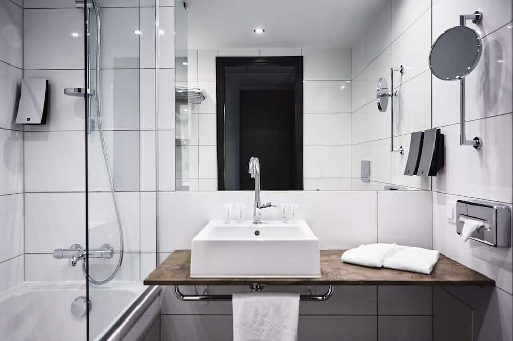 Δωμάτιο, 2 Μονά Κρεβάτια (Moderate) - Μπάνιο