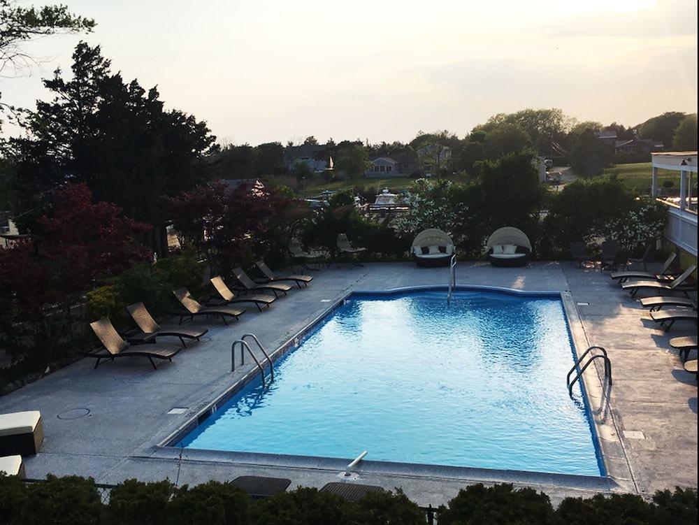 Baywatch Hotel Marina Southampton Outdoor Pool