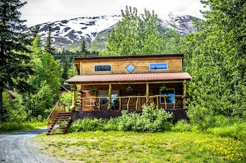Picture of Midnight Sun Log Cabins in Moose Pass