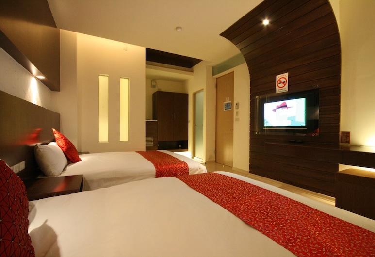 Tan Hui Hotel -Pier Branch , Yuchi, Standardværelse til 4 personer (地下室, Basement), Værelse