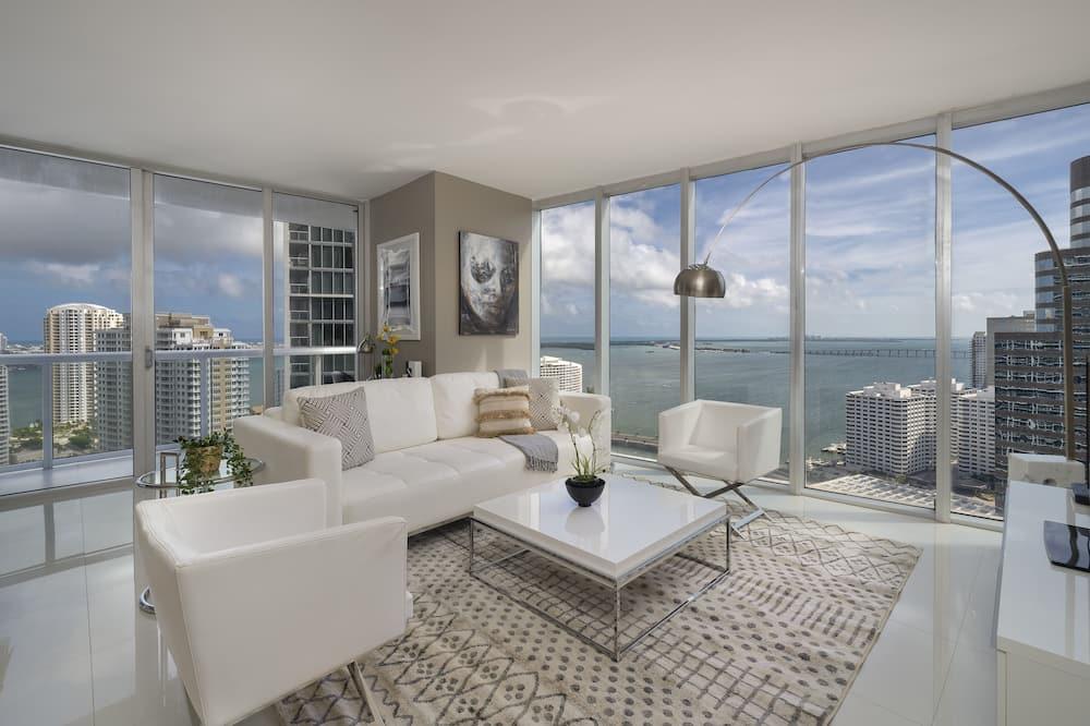 Presidential Apartment, 2 Bedrooms, Balcony, Ocean View - Living Room