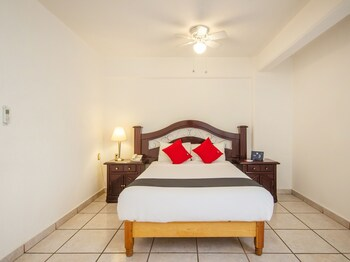 Picture of Capital O Suites Andrade in Leon