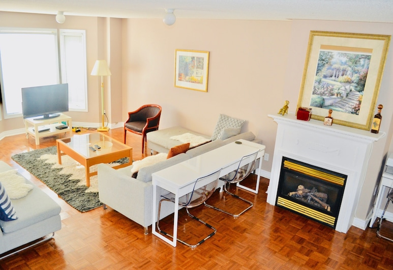 Downtown Whitby Furnished Homes, Whitby, Maison mitoyenne Confort, 4 chambres, Salle de séjour