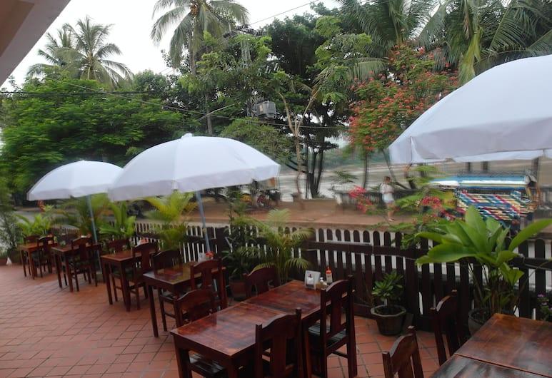 Mekong Sunset View Hotel, Luang Prabang, Outdoor Dining