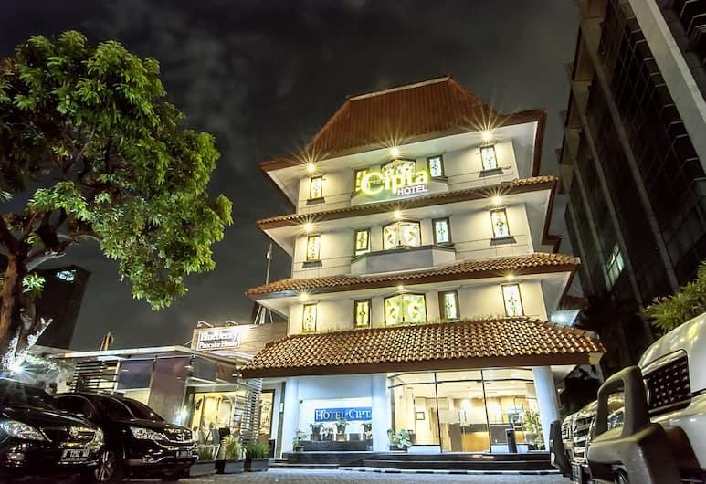 Cipta Hotel Wahid Hasyim, Jakarta, Hotel Front – Evening/Night