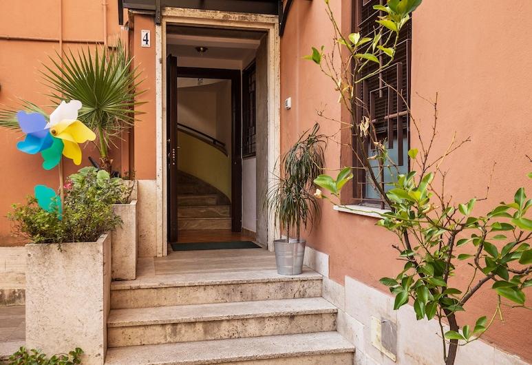 San Lorenzo Notte, Rome, Hotel Front