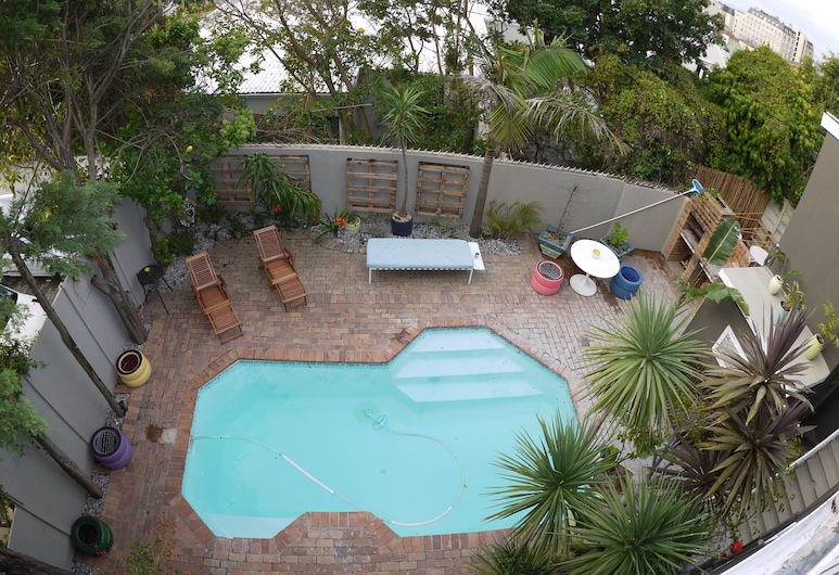 The B.I.G Backpackers, Cape Town, Outdoor Pool