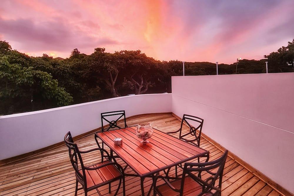 Люкс для новобрачных, 1 спальня, балкон - Балкон