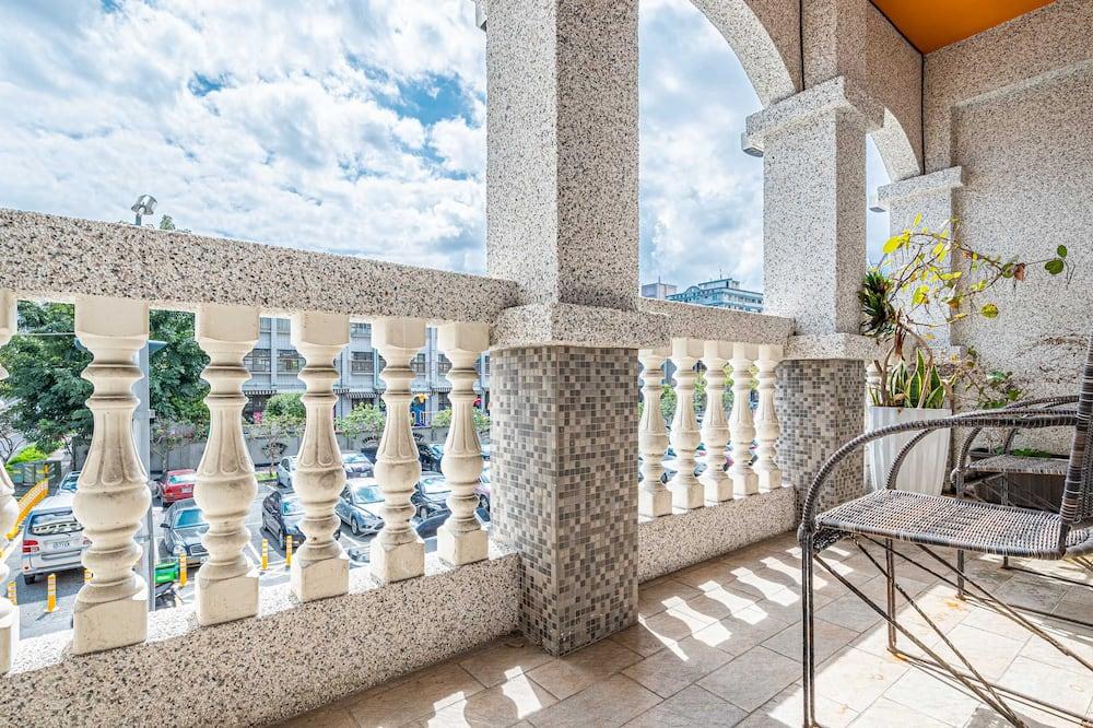 Deluxe Tek Büyük Yataklı Oda, Balkon - Balkon Manzarası