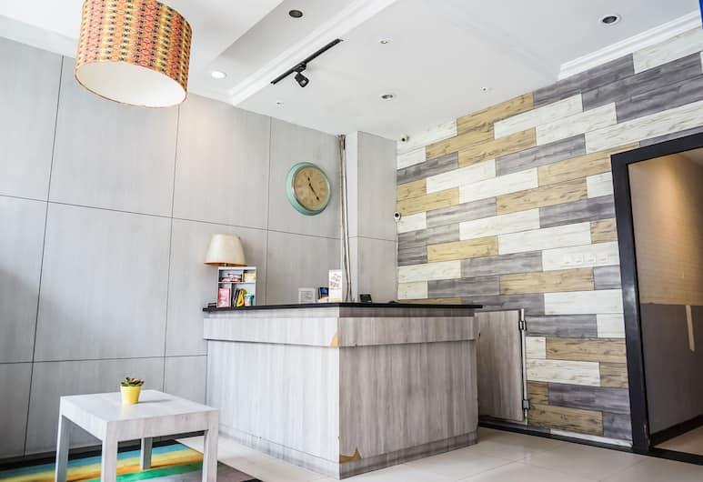 OYO 119 Belvena Hotel, Jakarta, Reception