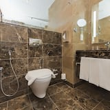 Værelse - 3 enkeltsenge - ikke-ryger - byudsigt - Badeværelse