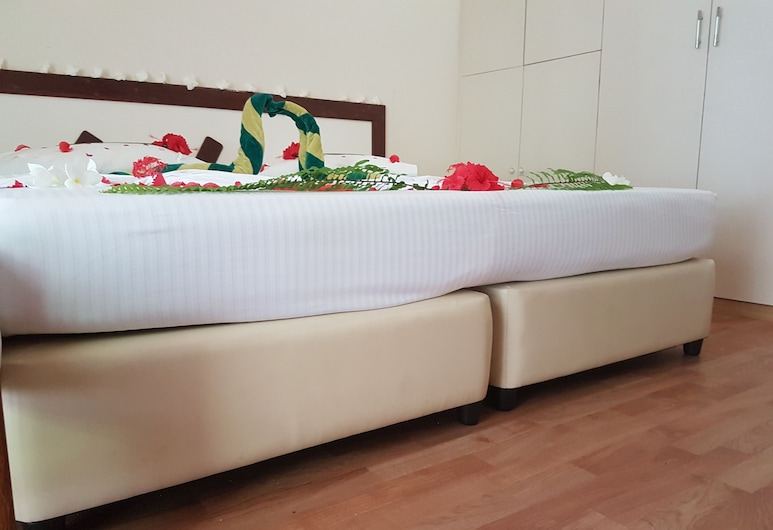 Fulidhoo Laperla Guesthouse, Fulidhoo, Deluxe Double or Twin Room, 2 Twin Beds, Beach View, Guest Room