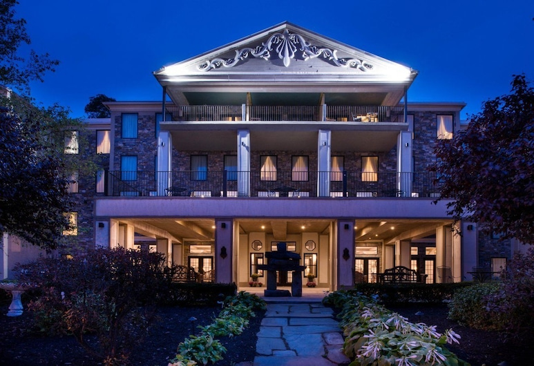 Niagara Crossing Hotel & Spa, Lewiston, Fachada do Hotel - Tarde/Noite