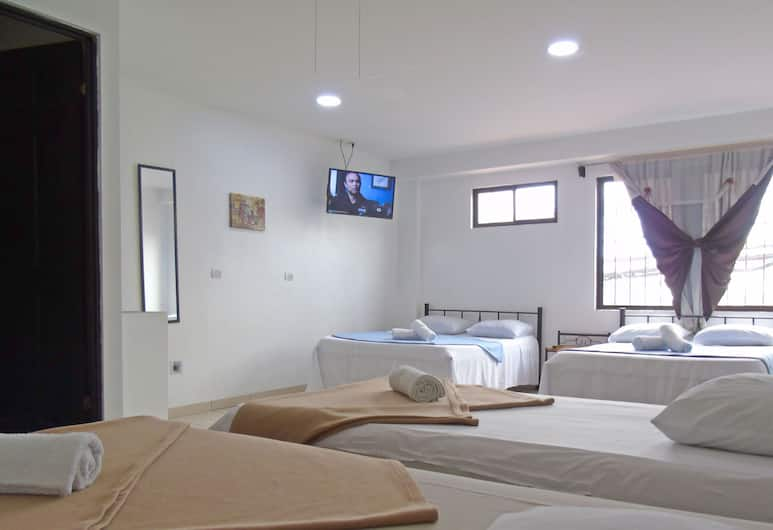 Hotel Quinta Avenida, San Jose, Standard Quadruple Room, 1 Bedroom, Guest Room