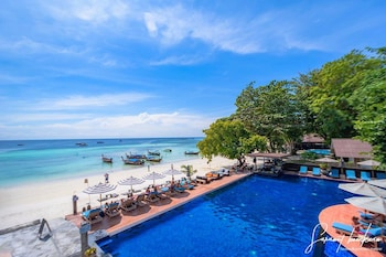 Picture of Akira Lipe Resort in Satun