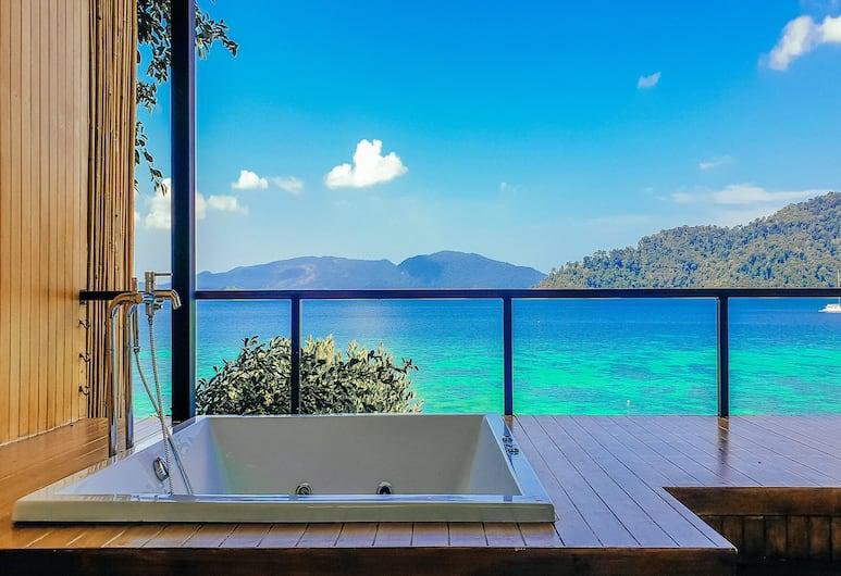 The Cliff Lipe, Satun, Jacuzzi Ocean View Room, Deep Soaking Bathtub