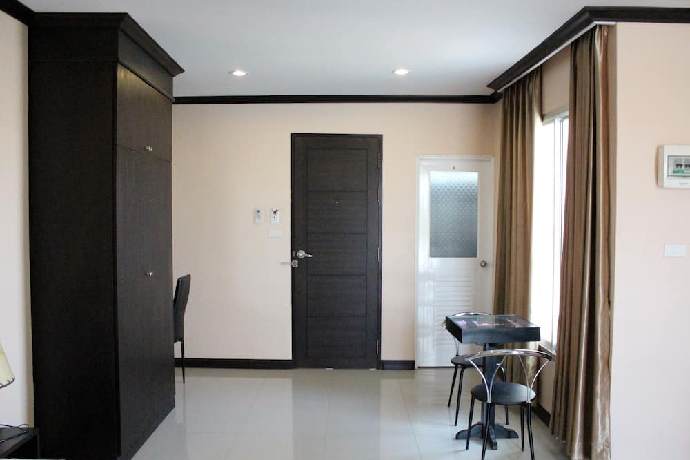 Chambre Standard, 1 très grand lit - Restauration dans la chambre