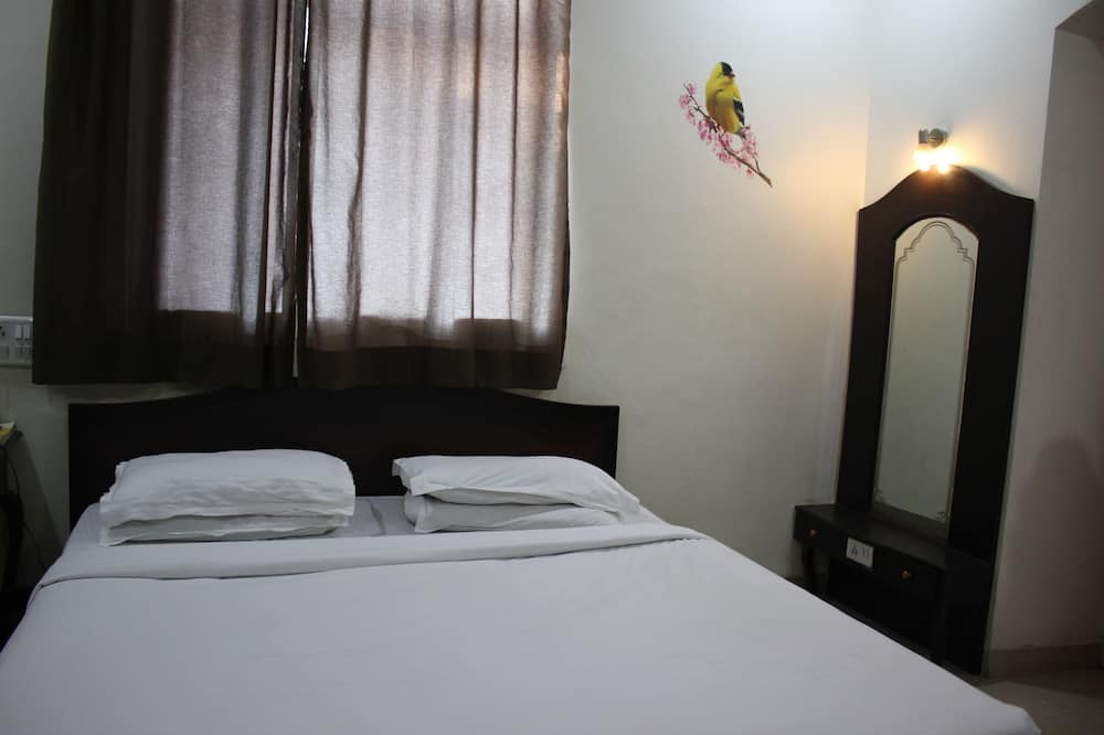 Deluxe Double Room, 1 Double Bed, City View - Living Room