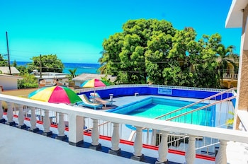 Picture of Marine View Hotel in Ocho Rios