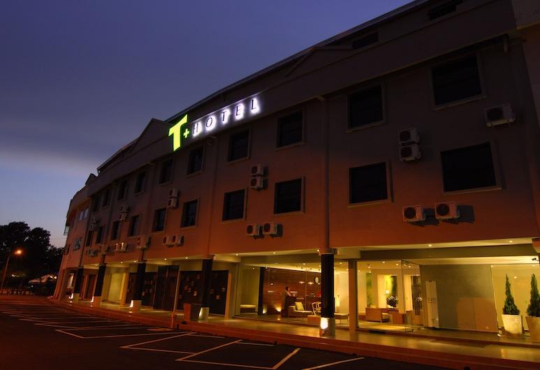 T+ 雙溪大年酒店, 桑多亞, 酒店入口 - 夜景