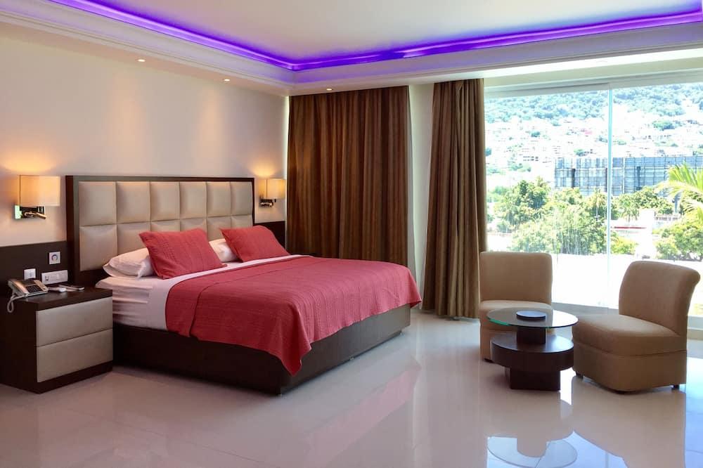 Эксклюзивный двухместный номер с 2 односпальными кроватями, микроволновая печь, вид на бассейн - Номер