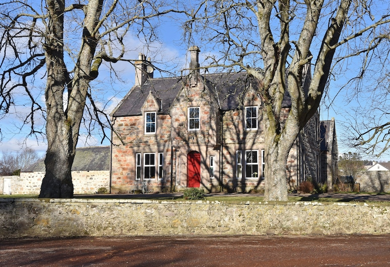 Cardhu Country House, Aberlour, Hotel Front