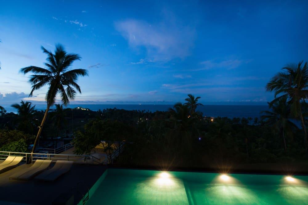 Phòng Tiêu chuẩn, Quang cảnh biển - Hồ bơi ngoài trời