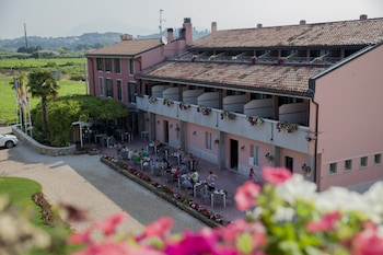 Enter your dates to get the Lazise hotel deal