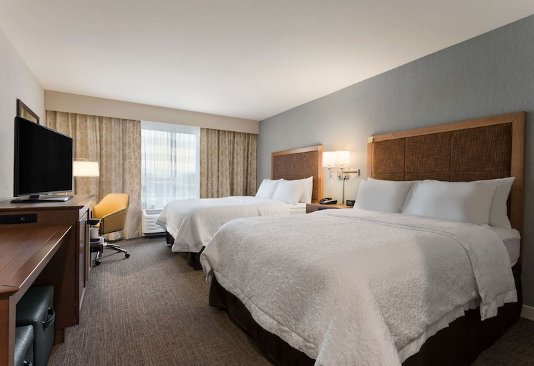 Hampton Inn Lincoln Airport, Lincoln, Room, 2 Queen Beds, Accessible, Bathtub (Mobility & Hearing), Guest Room