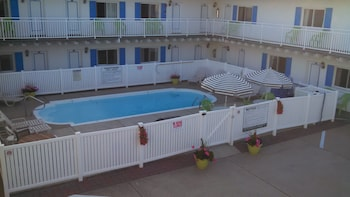 Picture of Tradewinds Motel in Ocean City