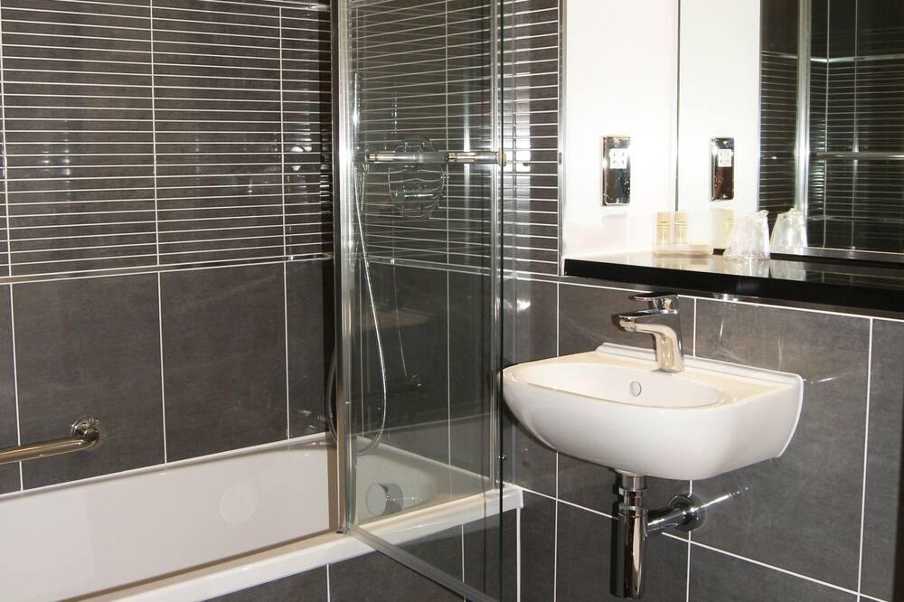 Executive Twin Room - Bilik mandi