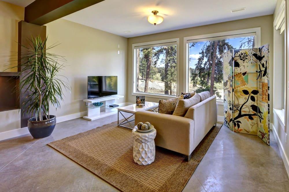 Luxury Studio, Mountain View (Condor) - Living Room