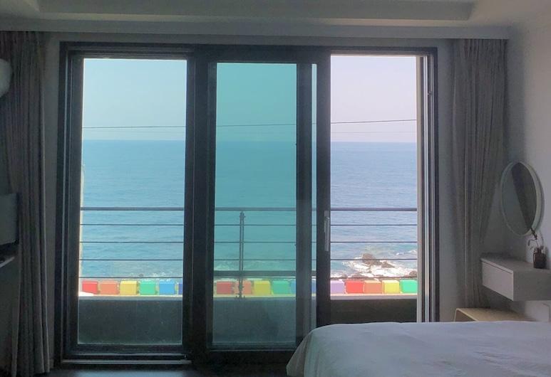 Maniju Pension, Jeju City, Double Room, Ocean View, Guest Room