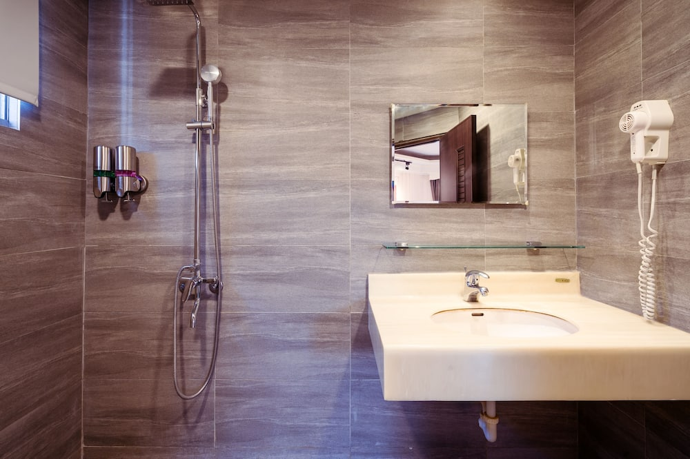 Design Τετράκλινο Δωμάτιο - Μπάνιο
