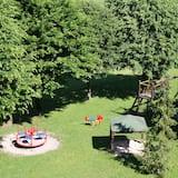 منطقة لعب للأطفال - خارجية